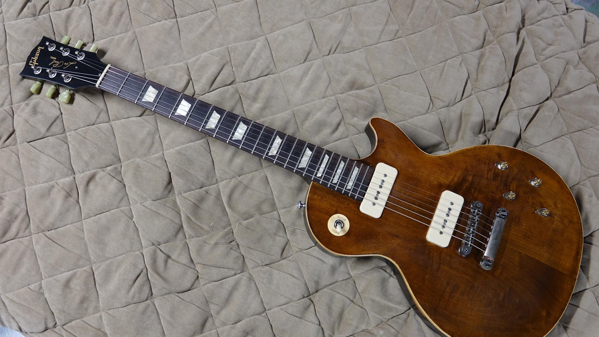 7db9e2a9aa9 Aged Les Paul Standard Guitar