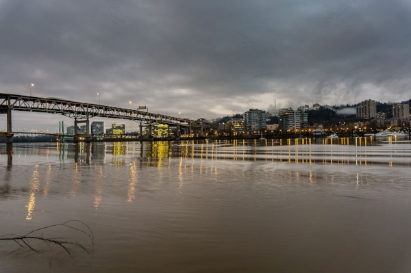 The Marquam Bridge at sunrise (photo credit: wikimedia)