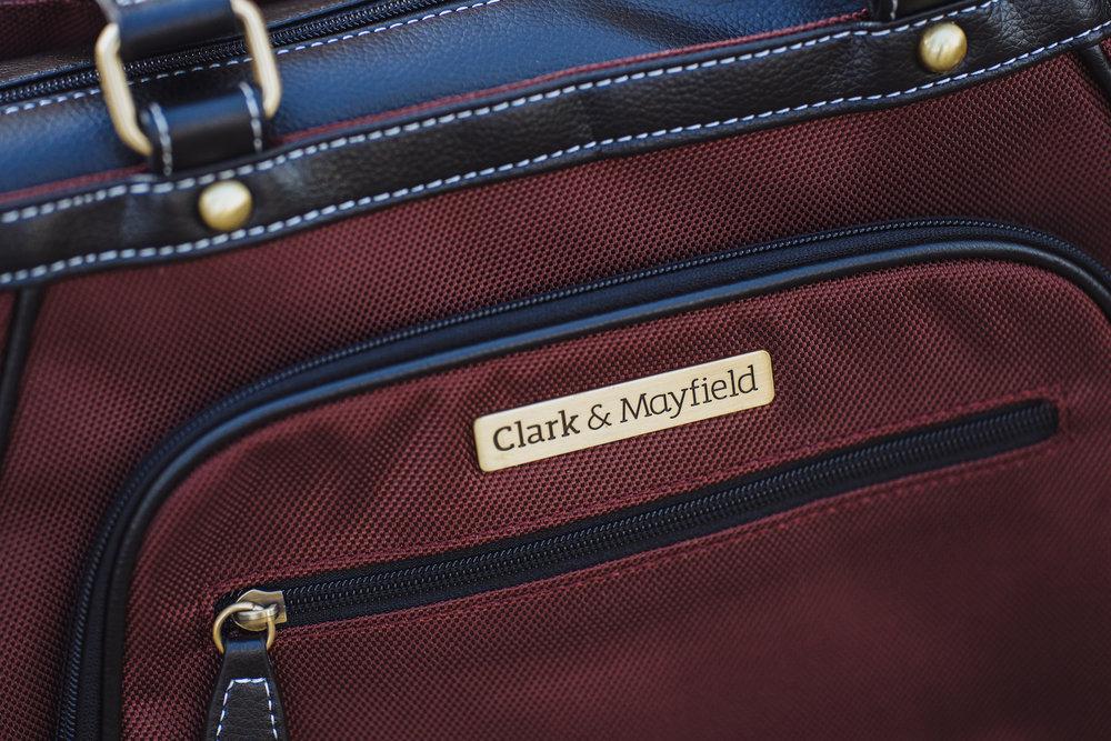 Shop now: Sellwood Metro handbag XL in Bordeaux Brown >