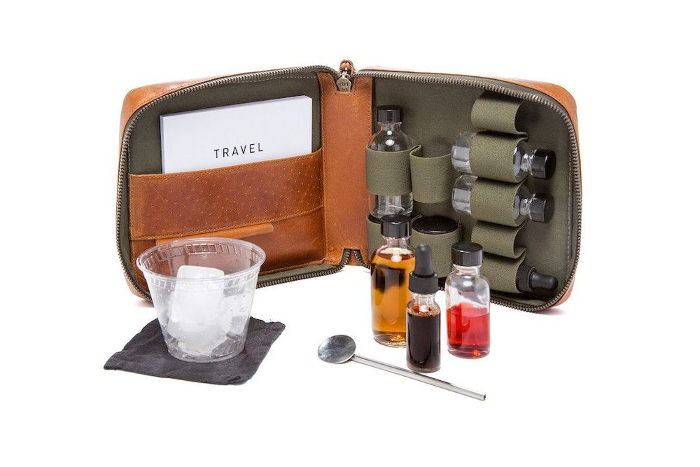 THE CARRY ON TRAVEL COCKTAIL KIT