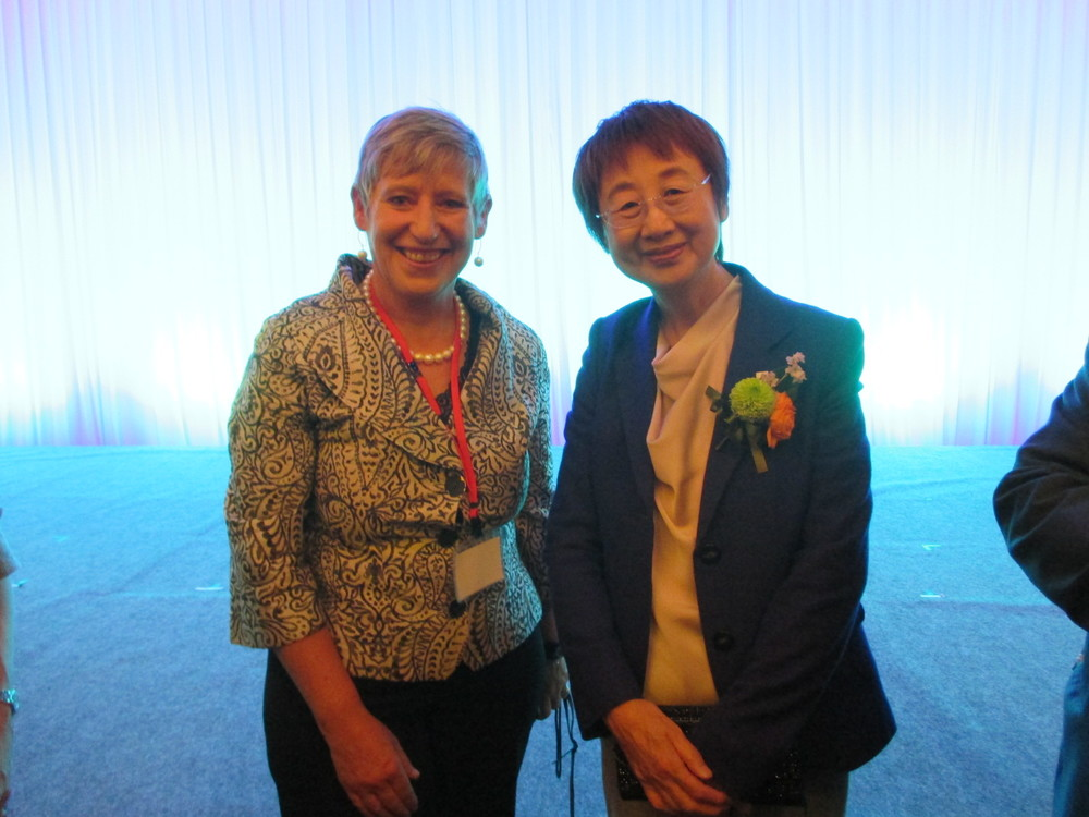 Mayor Lianne Dalziel with Mayor Emiko Okuyama