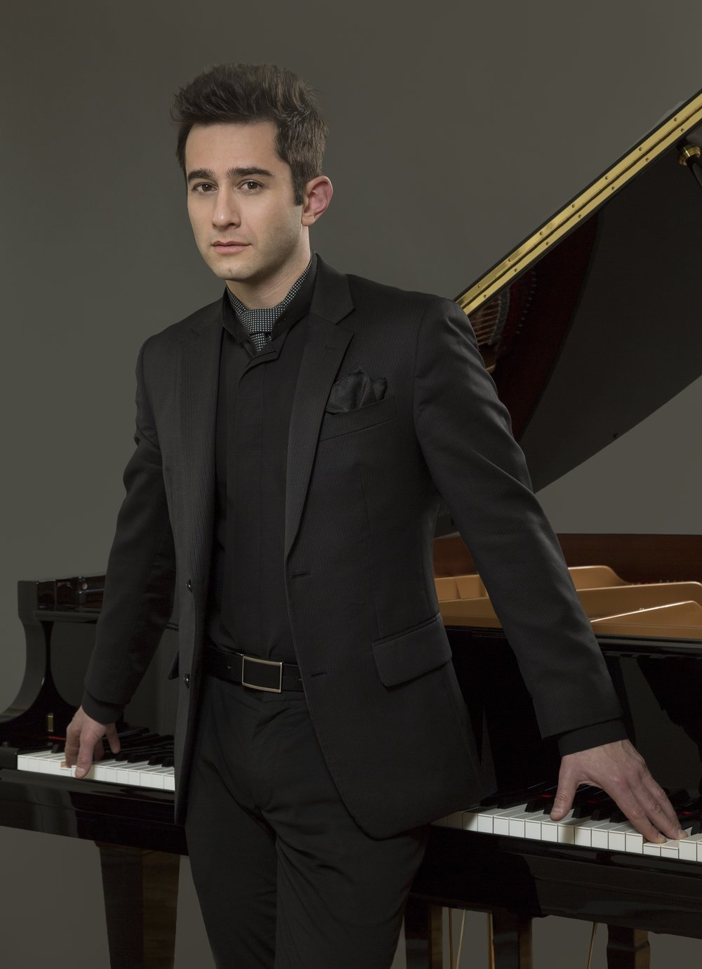 MattBaker_Katz_Press shot Piano_D8C2647b.jpg