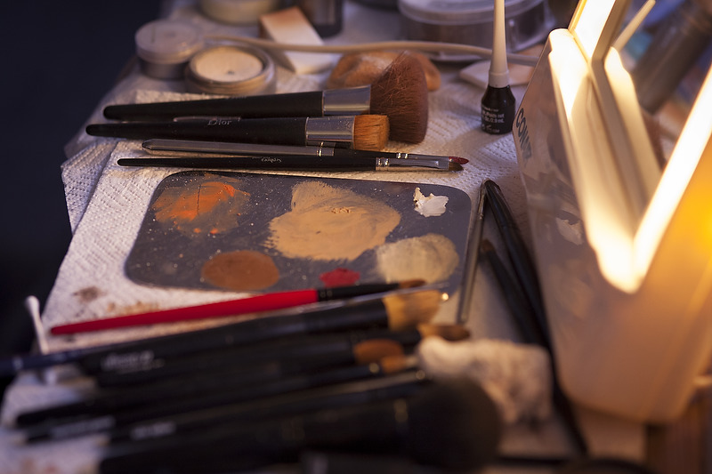 RICE_ROCKETTES_MAKEUP-BTS_12.jpg