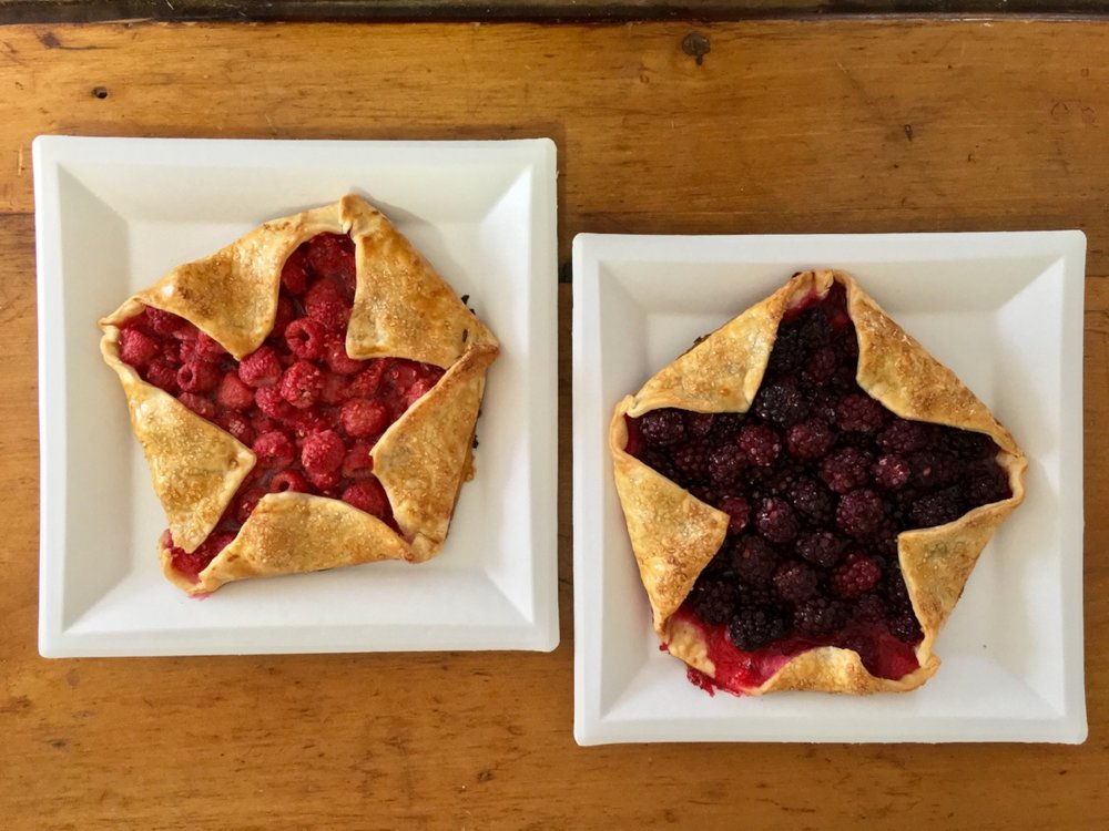 I made two different star-spangled galettes for dessert: one raspberry and one blackberry!