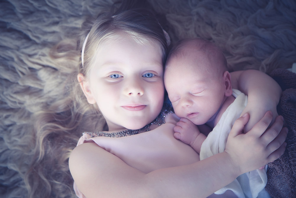 Newborn-photoshoot-liverpool-baby-and-sibling