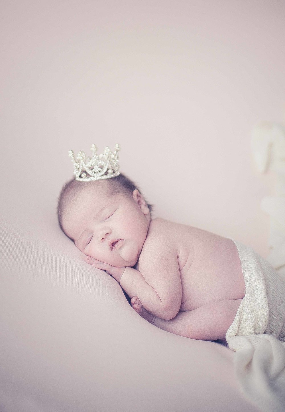 Newborn-photography-cheshire-19.jpg