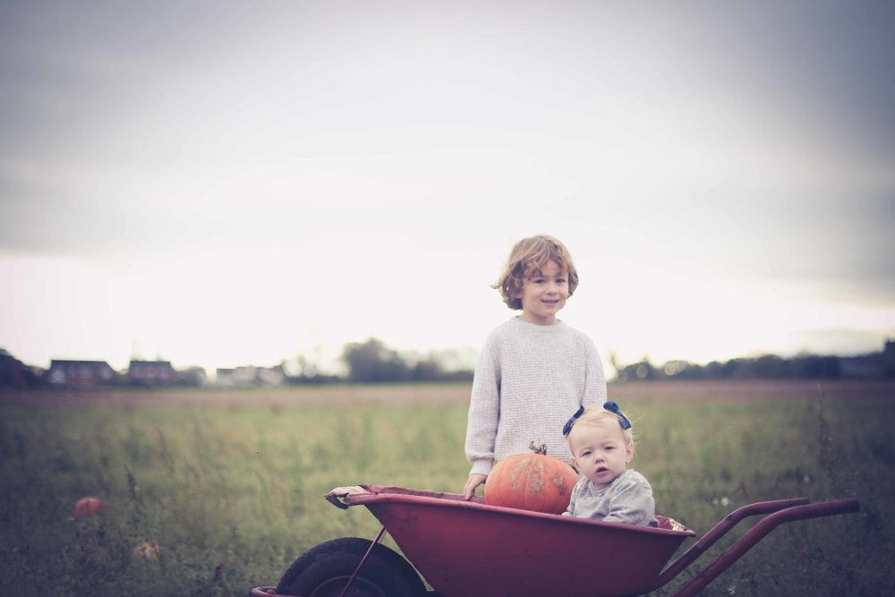 Family-photography-liverpool-church-view-farm-pumkin-picking-32.jpg