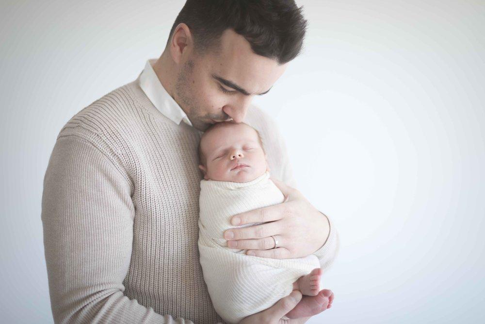 Newborn-photographer-cheshire-26.jpg
