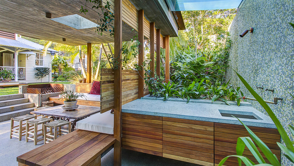 Woolowin Residence - Outdoor Kitchen, Undermount Sink, Concrete Benchtops