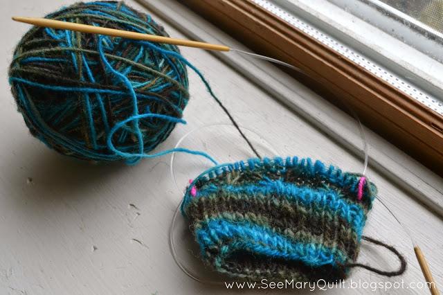 Knit%2BWristwarmers%2BDiamond%2BMitts.jpg