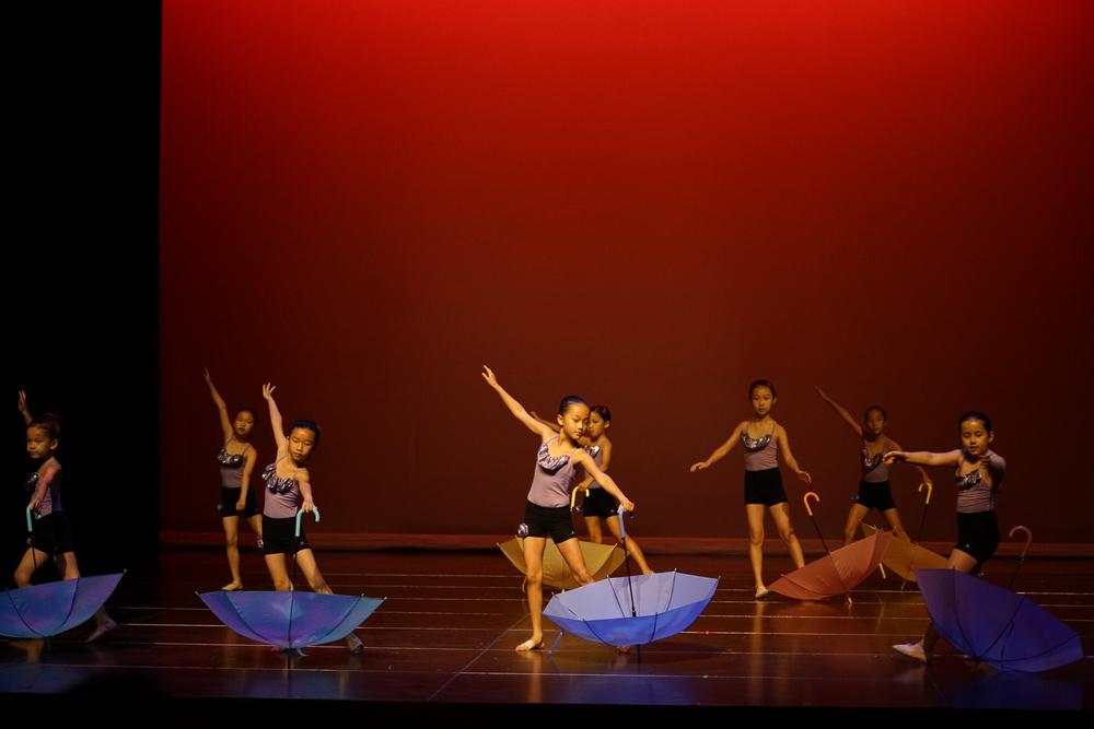 Umbrella Dance, Dance Mix (7-9)