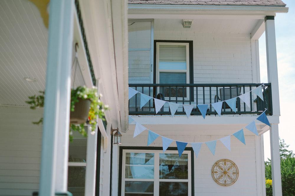 hubbards anchorage house outdoor wedding evan mcmaster-5.jpg