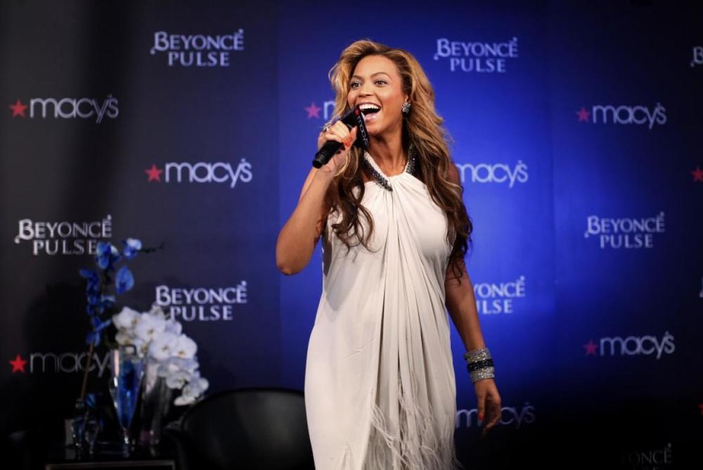 MACY'S Live At Macy's Beyonce.jpg
