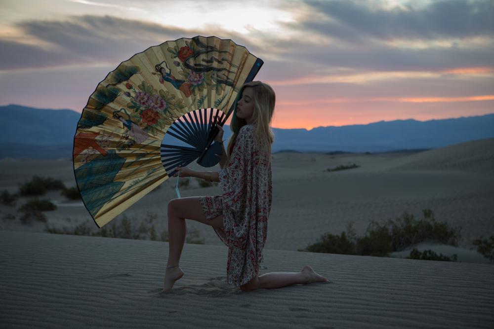 AstroBandit_JordanRose_MesquiteSandDunes_DeathValley_Sunrise_Maroon_Bathing_Suit_2.jpg