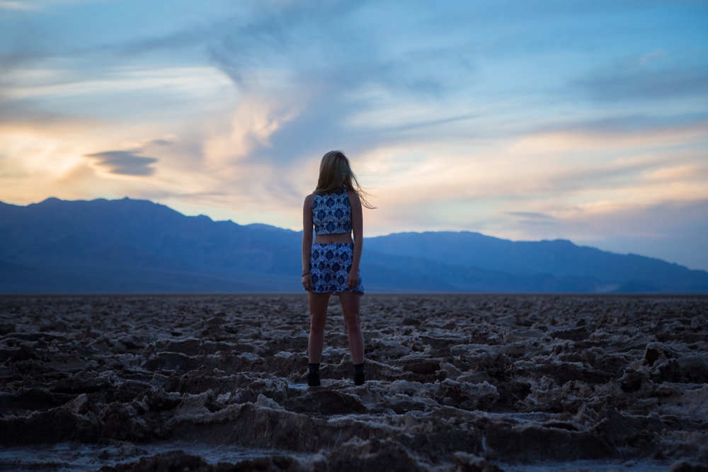AstroBandit_JordanRose_BadwaterBasin_DeathValley_Sunset_MotelRocks_4.jpg