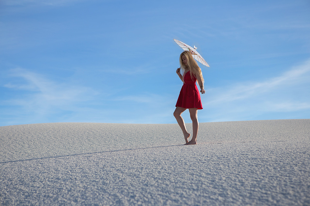 AstroBandit_JordanRose_WhiteSands_RedDress_Fashion_4.jpg