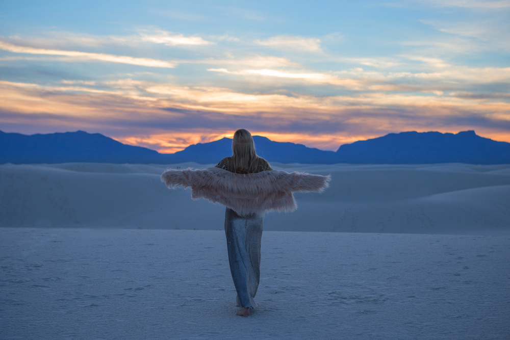 AstroBandit_JordanRose_WhiteSands_Sunset_Sequins_Dancing_Dancer_Fashion_4.jpg