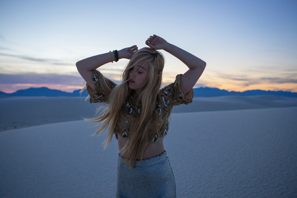 AstroBandit_JordanRose_WhiteSands_Sunset_Sequins_Dancing_Dancer_Fashion_8.jpg