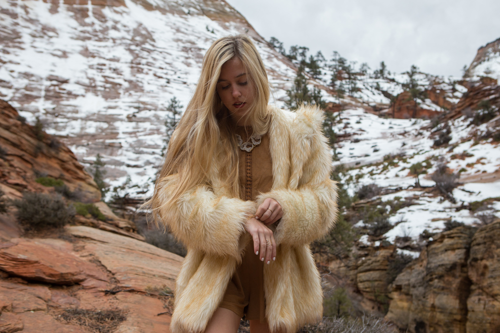 AstroBandit_JordanRose_Zion_WinterInZion_Snow_Fashion_NationalPark_3.jpg