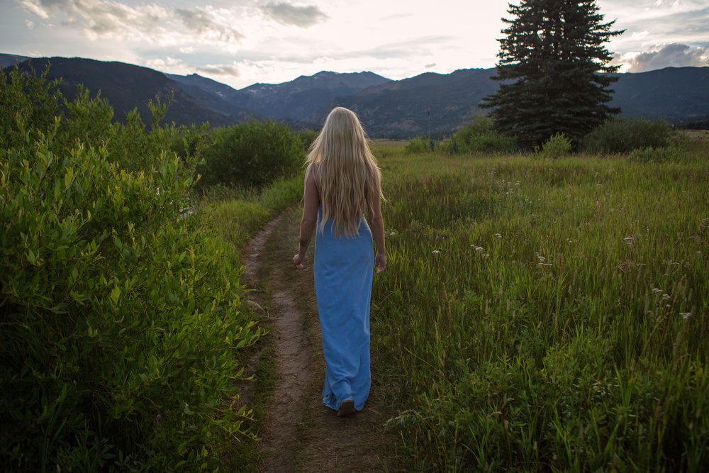 AstroBandit_Rocky_Mountain_National_Park_Sunset_BlueDress_1.jpg