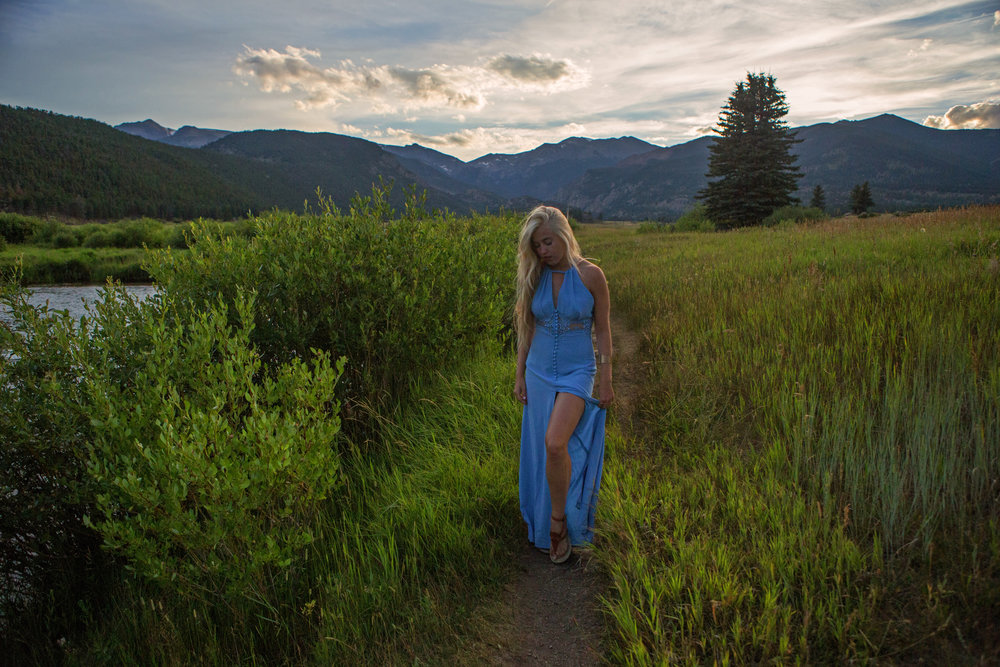 AstroBandit_Rocky_Mountain_National_Park_Sunset_BlueDress_5.jpg