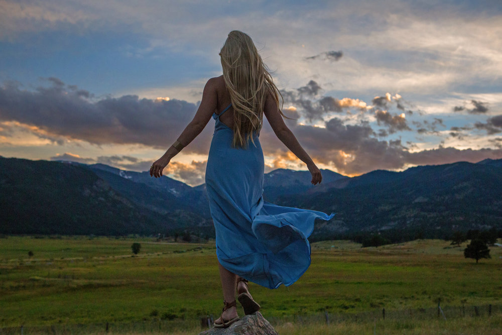 AstroBandit_Rocky_Mountain_National_Park_Sunset_BlueDress_12.jpg