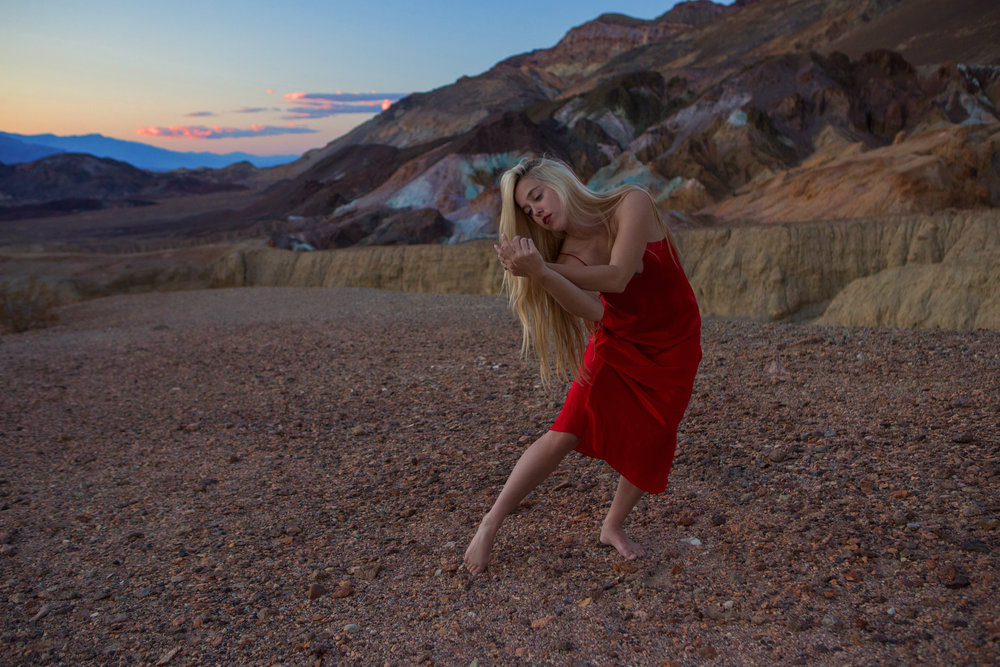 AstroBandit_JordanRose_DeathValley_ArtistsPalette_RedSilk_Sunset_Dancing_2.jpg