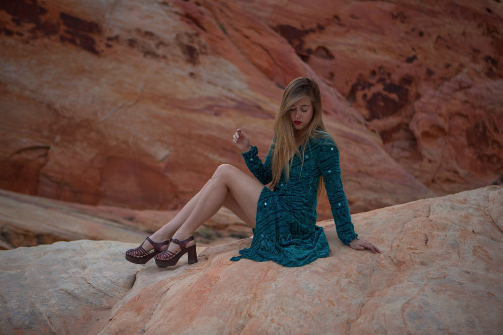 AstroBandit_JordanRose_ValleyOfFire_ForLoveandLemons_SbiccaFootwear_Sunset_3.jpg