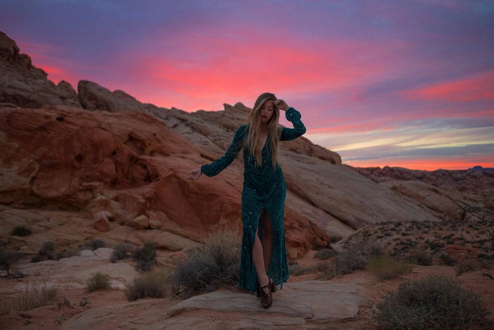 AstroBandit_JordanRose_ValleyOfFire_ForLoveandLemons_SbiccaFootwear_Sunset_10.jpg