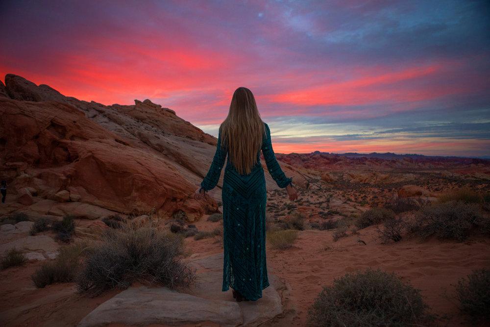 AstroBandit_JordanRose_ValleyOfFire_ForLoveandLemons_SbiccaFootwear_Sunset_11.jpg