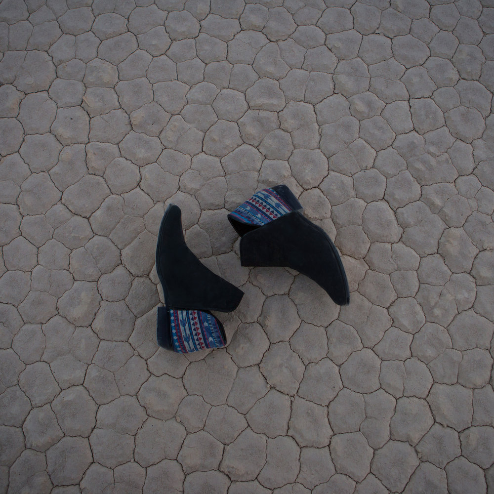 shoesontile1.jpg