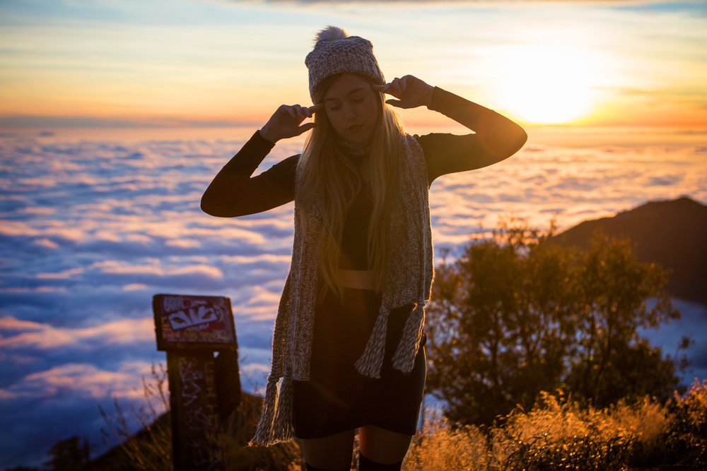 AstroBandit_JordanRose_Hollister_AboveTheClouds_Sunset_WinterStyle_8.jpg