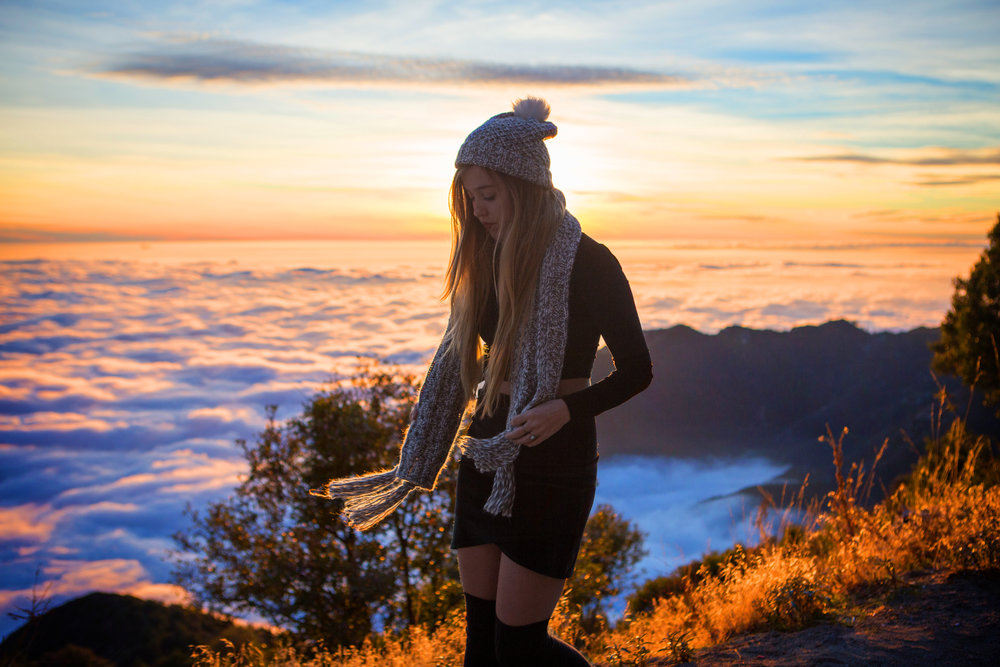 AstroBandit_JordanRose_Hollister_AboveTheClouds_Sunset_WinterStyle_12.jpg