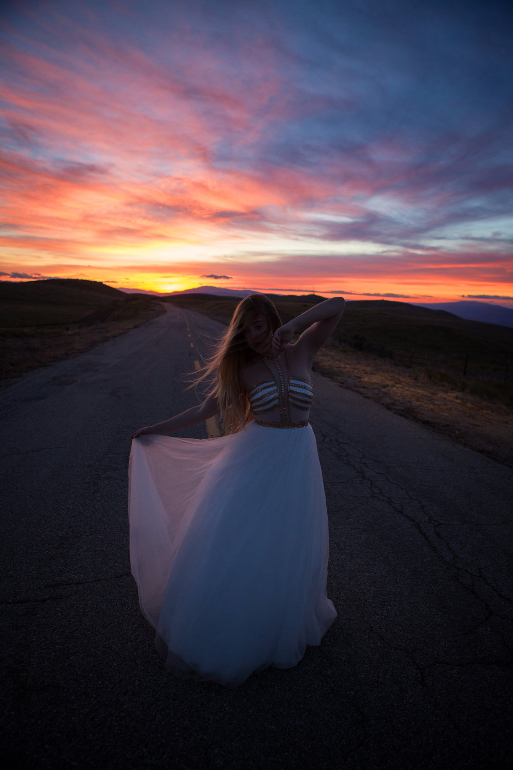 AstroBandit_MadisonJames_WhiteDress_LosPadresNationalForest_15.jpg