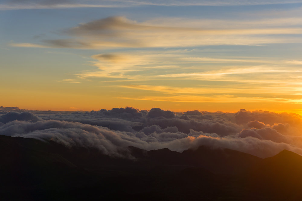AstroBandit_Maui_Hawaii_Haleakala_Sunrise_Abovetheclouds_1.jpg