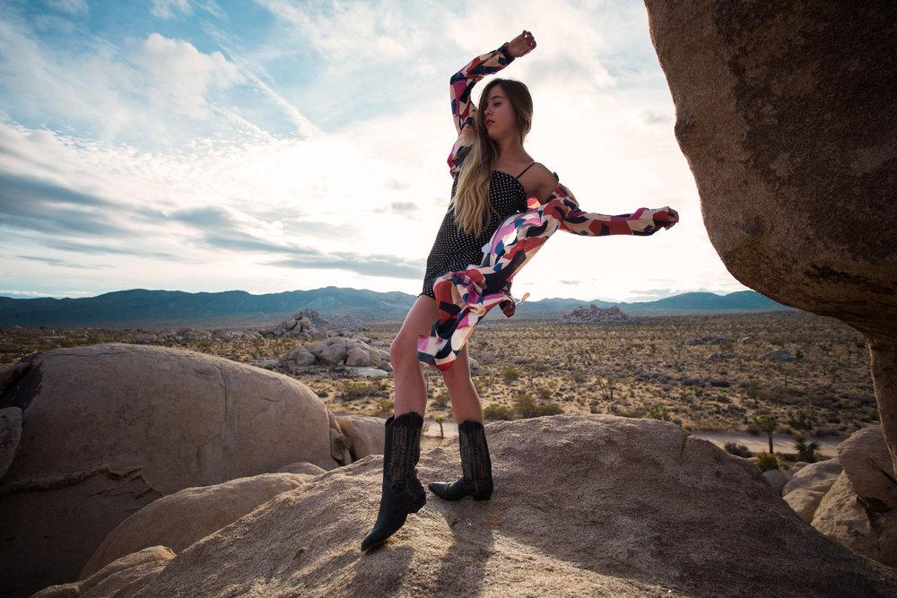 AstroBandit_JordanRose_GoJane_FreePeople_CowboyBoots_FarylRobin_Desert_Sunset_Spring_2018_MixingPrints_6.jpg