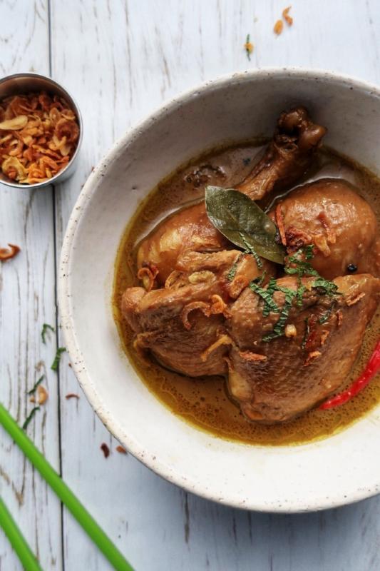 bowl of gluten free chicken adobo my bf is gf