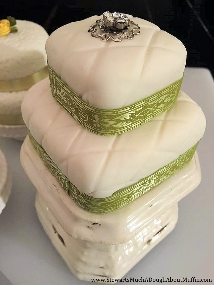 2-Tier Shortbread & Buttercream