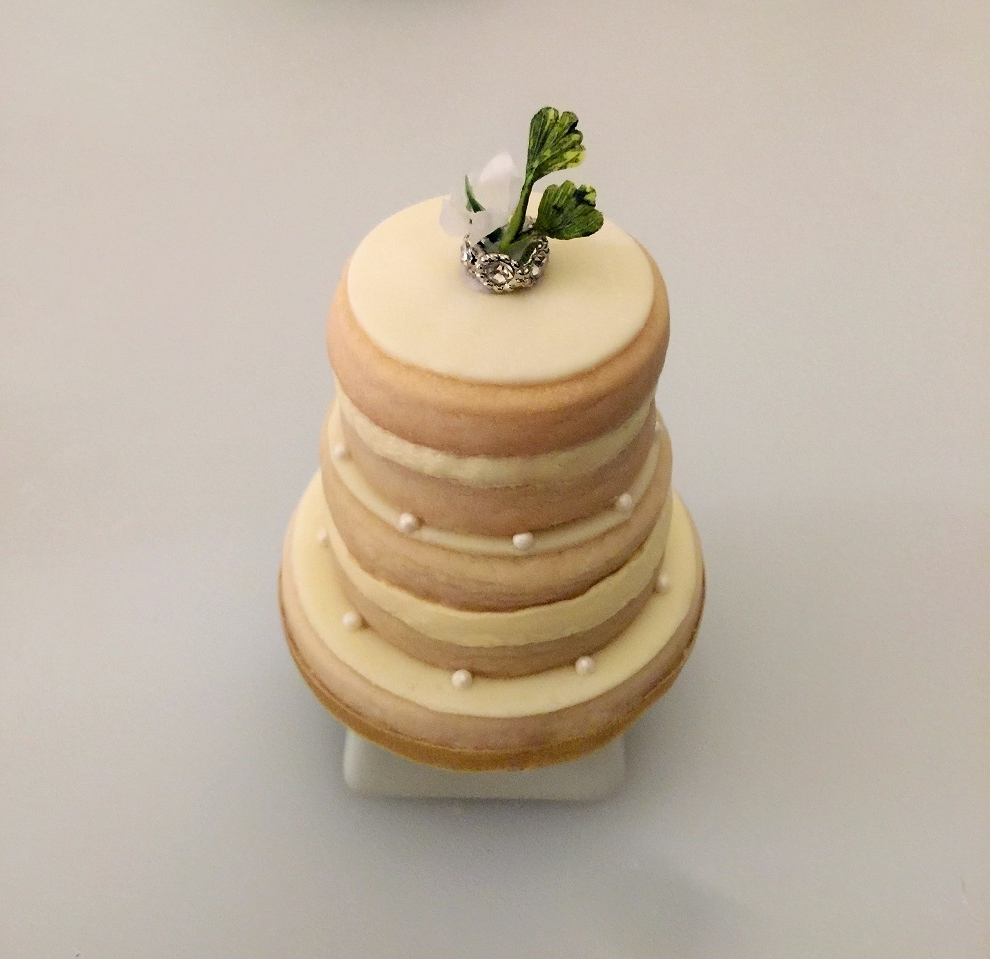 Shortbread Celebration Cake -   {Mini} Celebration Cakes: Wedding, Anniversary, Baby Shower, Elegant Entertaining