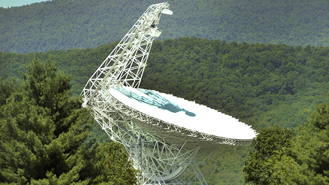 Green Bank Telescope -   WVU Photo by M.G. Ellis