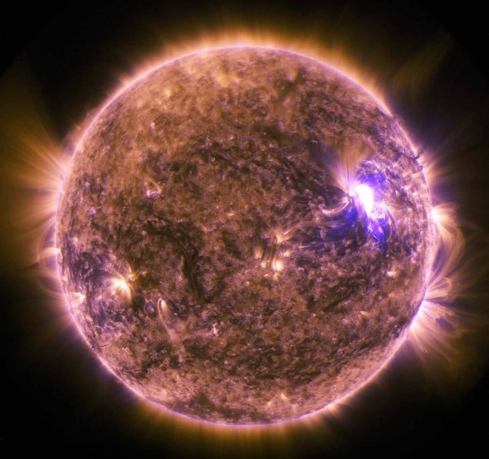 When the sun flares, space weather is on its way to Earth - Image Credit: NASA/SDO