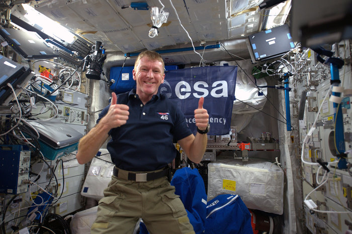 Feeling good: Tim Peake aboard the ISS. – Image Credit: ESA/NASA