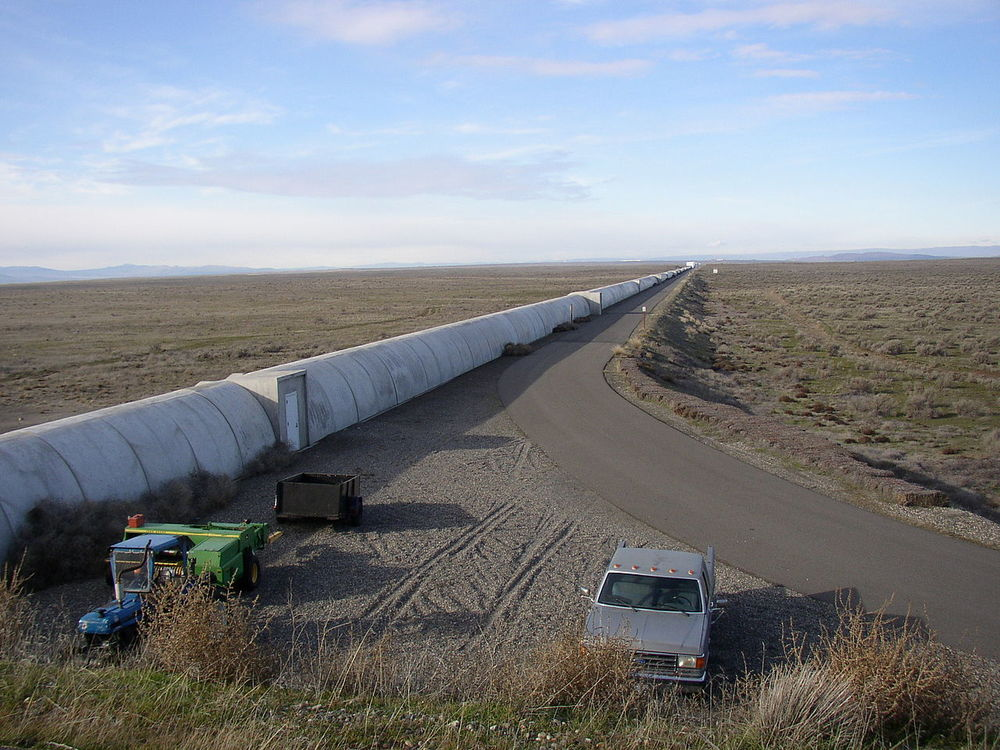 Northern leg (x-arm) of LIGO interferometer on Hanford Reservation - Image Credit:  Umptanum/WikimediaCommons