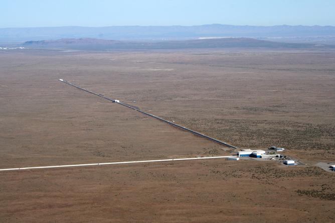 The 4km long arms of the LIGO experiment at Hanford. LIGO lab: www.ligo.caltech.edu, Author provided