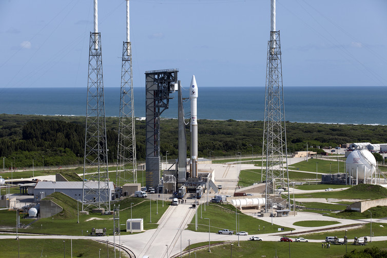 The United Launch Alliance Atlas V rocket is ready for launch. – Image Credit: NASA