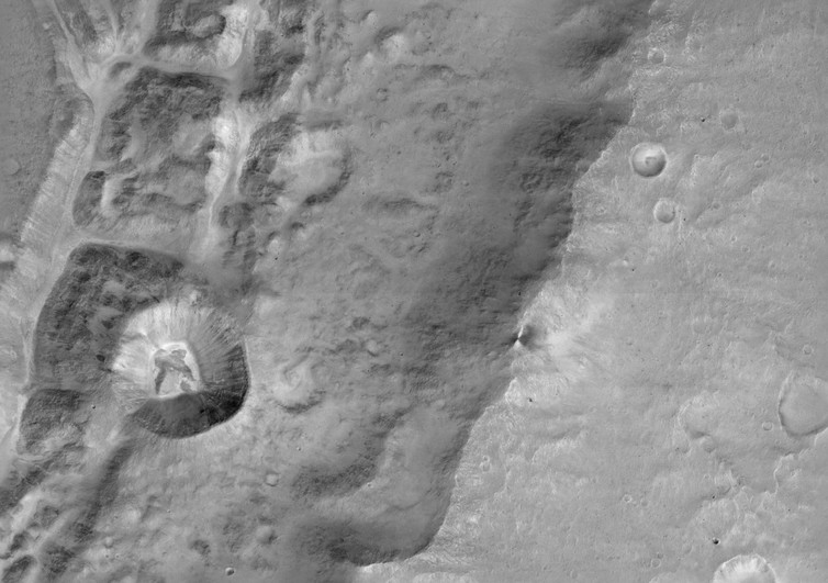 ExoMars close-up of a large unnamed crater north near the Mars equator. - Image Credit: ESA/Roscosmos/ExoMars/CaSSIS/UniBE, CC BY-SA