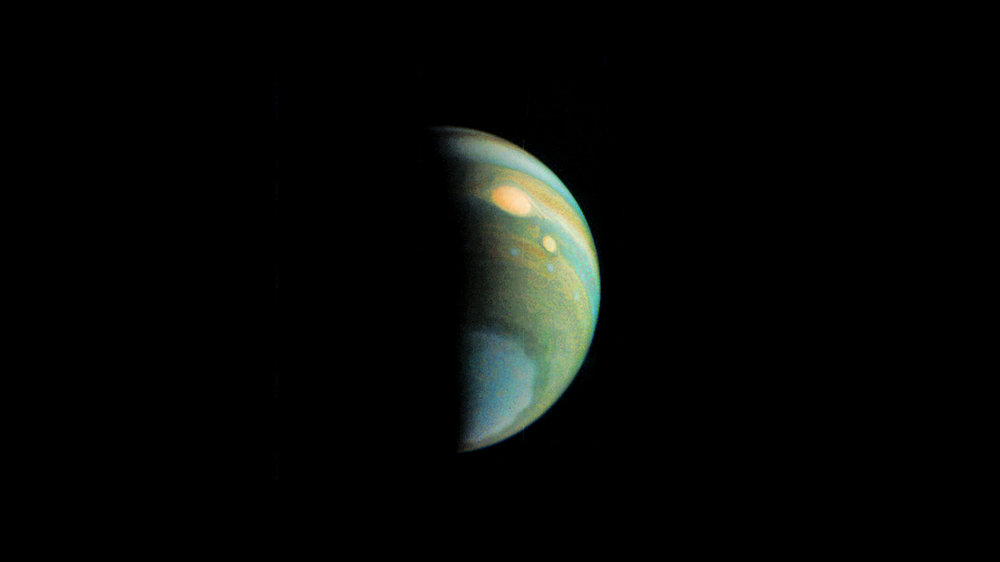 False color view of Jupiter's polar haze, created by citizen scientist Gerald Eichstädt using data from the JunoCam instrument. - Image Credit: NASA/JPL-Caltech/SwRI/MSSS/Eric Jorgensen