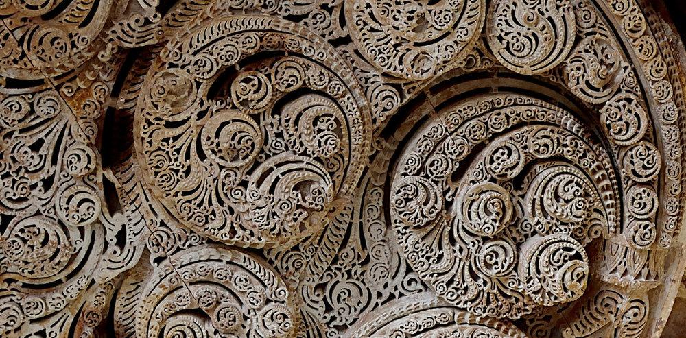 Fractals in stone - Image Credit: Jami Masjid.Ankush.sabharwal/wikipedia,CC BY-SA