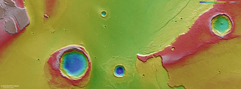 Colour-coded topographic view of the mouth of Kasei Valles, showing the Worcester Crater. Credit: ESA/DLR/FU Berlin.