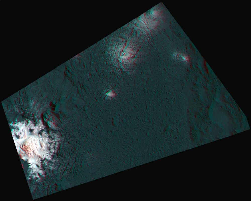 This 3d-anaglyph for the first time shows a part of Occator crater in a combination of anaglyphe and false-color image. - Image Credit: NASA/JPL-Caltech/UCLA/MPS/DLR/IDA